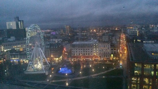 Mercure Manchester Piccadilly Hotel: View from window