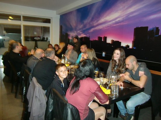 Quattro Fratelli: A night with friends