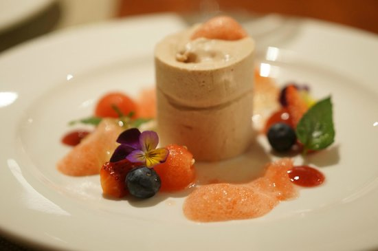 Arajilla Retreat - Lord Howe Island: strawberry parfait - my wife said this was the best dessert she's ever tasted in her life!!