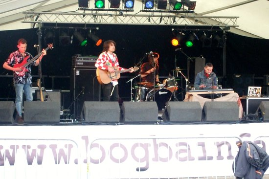 Bogbain Farm : Stagger Rats Main Stage
