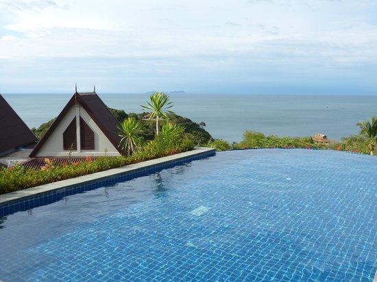 Baan KanTiang See Villa Resort (2 bedroom villas): Pool mit Aussicht