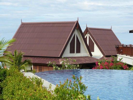 Baan KanTiang See Villa Resort (2 bedroom villas): Villas