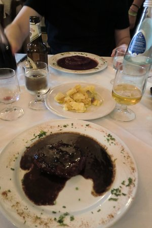 Trattoria Toscana : Steak - amazing sauce!!