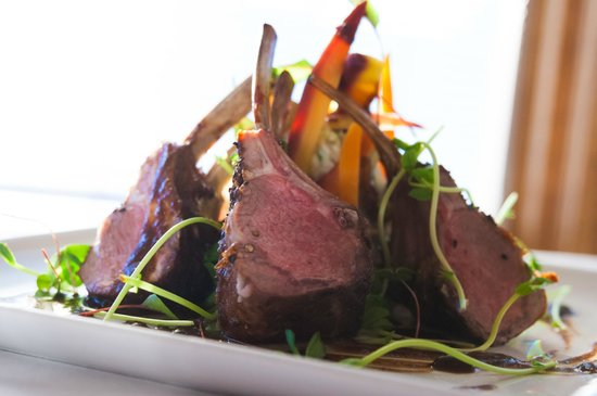 Michael's on the Thames: Rack of Lamb
