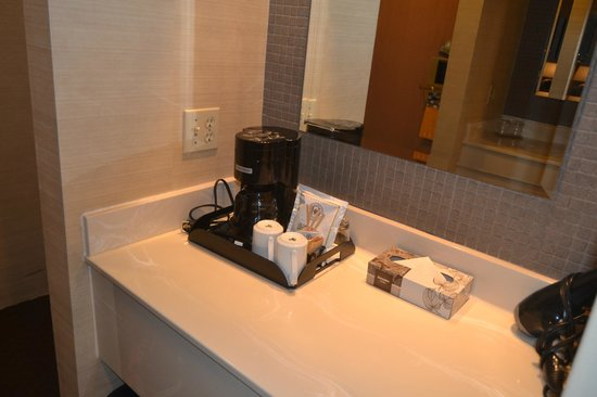 The Listel Hotel Vancouver: Bathroom 3