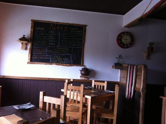 Aldea restaurant: El menú está escrito en una pizarra