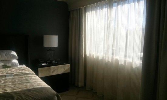Melrose Georgetown Hotel: The windows