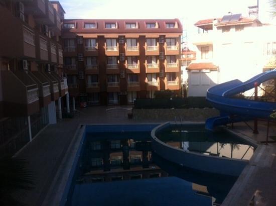 Palmiye Garden Hotel: двор