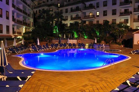 Apartamentos Casablanca: Pool