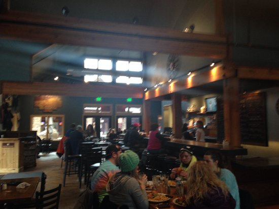 Sunriver Brewing Company : Dining Area
