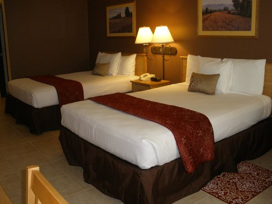 The Inn at Rolling Hills: Our updated and remodeled pet-friendly room