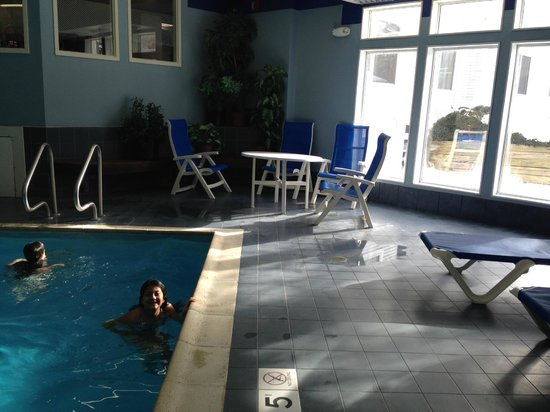 Hampton Inn Burlington: pool