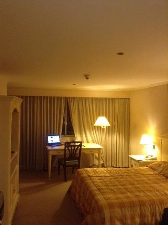 BEST WESTERN Oxford Suites Makati: room