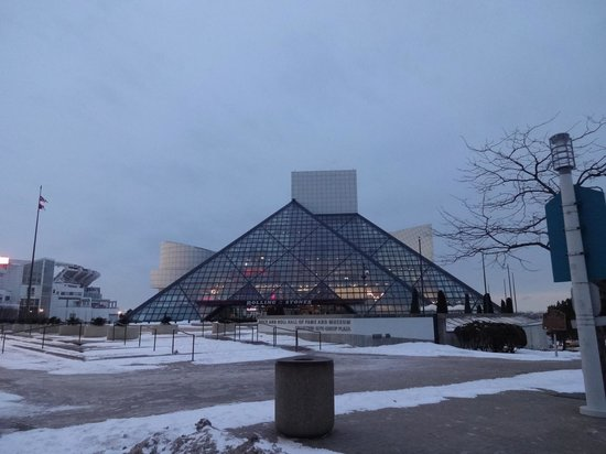 Rock & Roll Hall of Fame: the outside is pyramid shaped