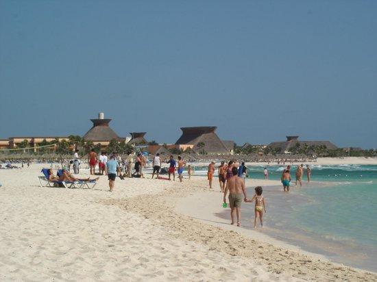 Grand Bahia Principe Coba: Grand Bahia Principe Beach