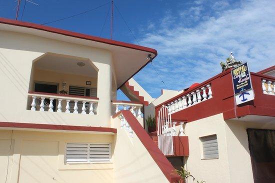 Hostal Ciro y Lourdes: Frente de la casa