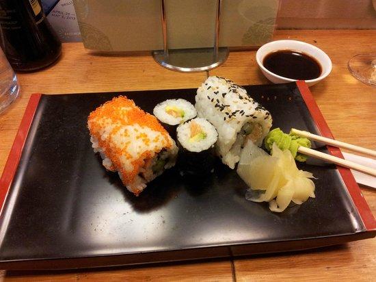 Negishi Sushi Bar: Mucha variedad