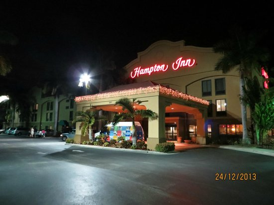 Hampton Inn Ft. Myers - Airport I-75: Fachada