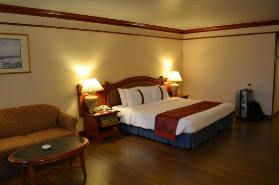 Holiday Inn Chiang Mai: Chambre tout confort