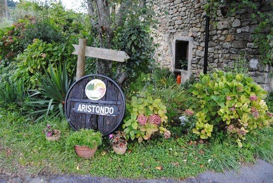 Casa Rural Aristondo Baserria : Entrada al caserío