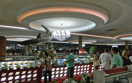 Queen Elizabeth Elite Suite Hotel & Spa: Ресторан отеля