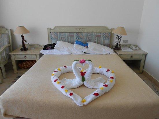 Veraclub Queen Sharm: Decorazione giornaliera del letto
