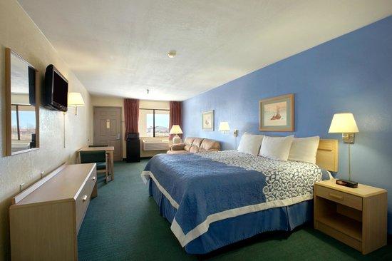 Days Inn Holbrook: King bed