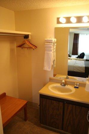 Bryce View Lodge: Waschbereich