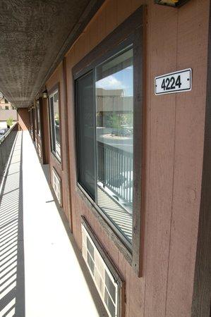 Bryce View Lodge: Vor unserem Zimmer
