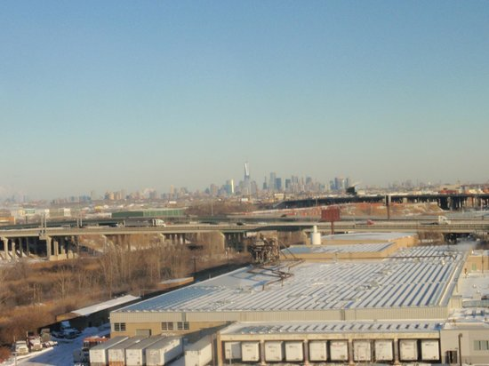 DoubleTree by Hilton Hotel Newark Airport: View from room -- NYC skyline