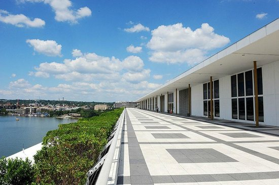 John F. Kennedy Center for the Performing Arts: Roof top terrace