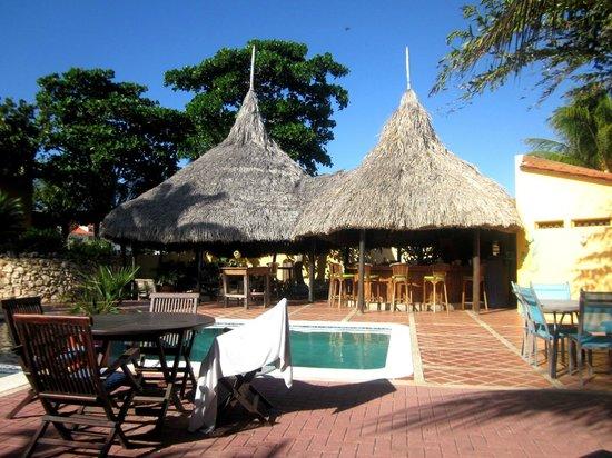 Hotel Restaurant Roomer : Restaurant/Bar next to pool