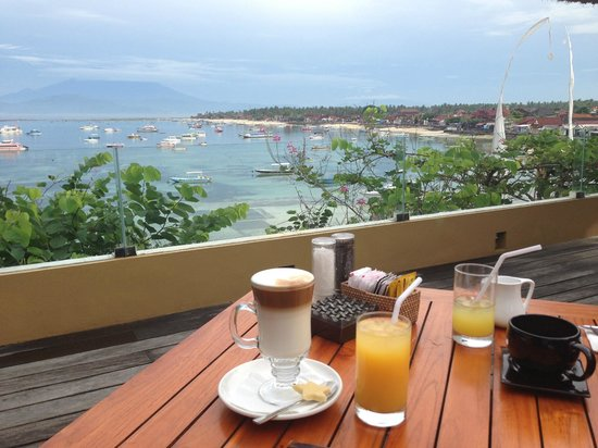 Batu Karang Lembongan Resort & Day Spa: Breakfast