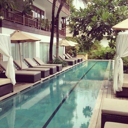 Batu Karang Lembongan Resort & Day Spa: Pool area