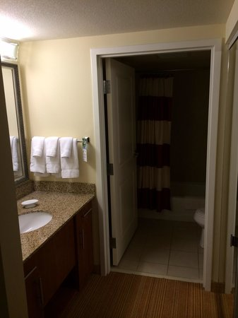 Residence Inn Fort Myers Sanibel : Badezimmer