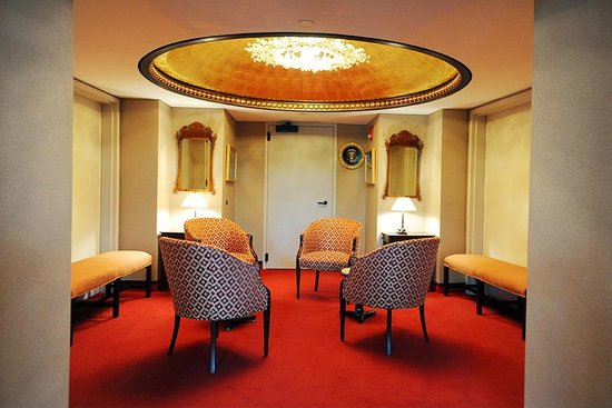 John F. Kennedy Center for the Performing Arts : Presidents lounge