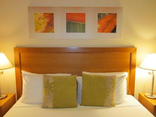 Shantara Resort  Port Douglas: King-size bed