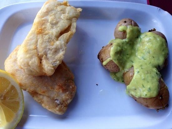Mundo : merluzzo fritto e patate arrugadas al mojo verde