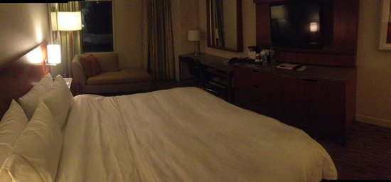 The Westin Minneapolis : Nice big comfy room