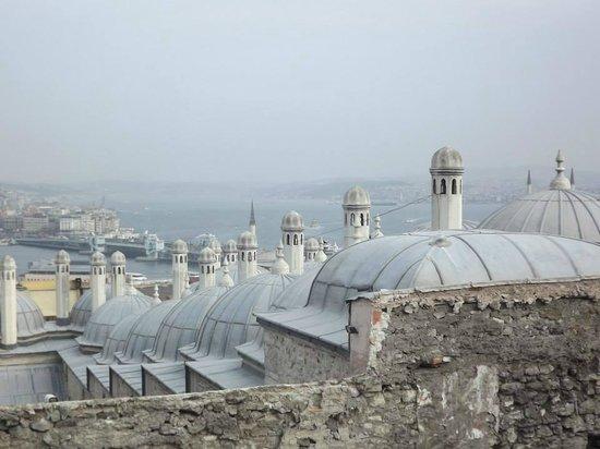 Süleymaniye-Moschee: View from the terrace around the suleymaniye