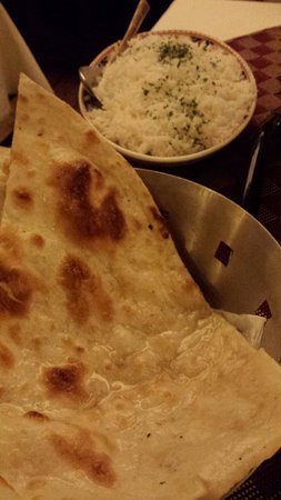 Taj Mahal: rice and nann