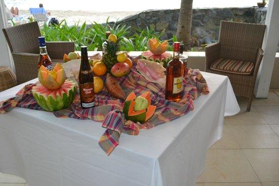 Hotel Riu Palace St Martin: Buffet créole