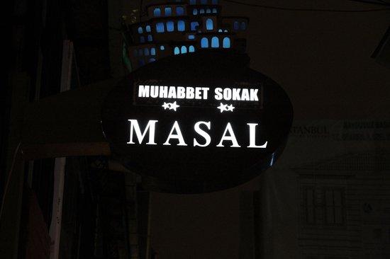 Masal Restaurant: Neon lights