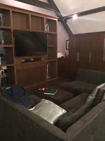 Hotel du Vin & Bistro Newcastle: Sitting area in room
