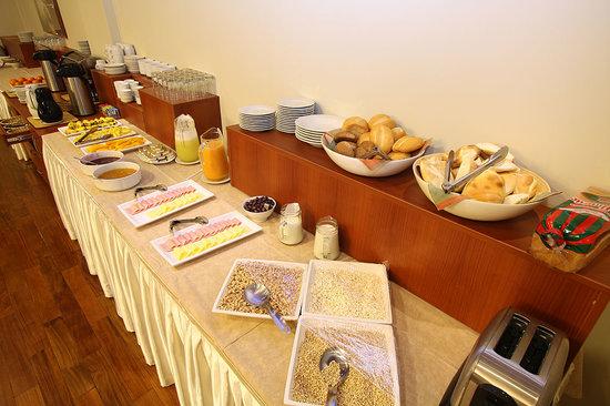 Hotel Crismar : Breakfast buffet