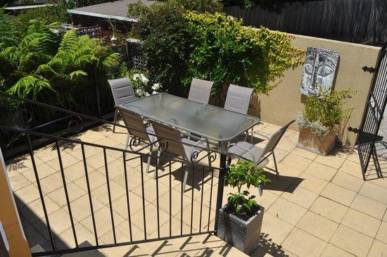 Belton Apartments : Courtyard