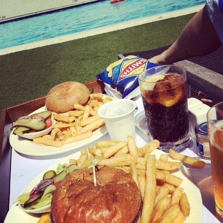 Hyatt Regency Perth: Best. Hotel. Burgers. Ever......