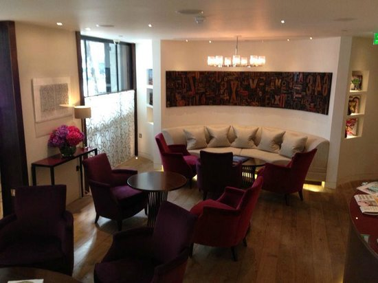 One Aldwych : The Private Guest Only lounge hidden from the hustle and bustle