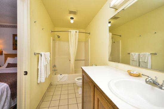 Days Inn Jefferson: bathroom