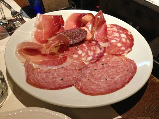Trattoria da Garibardi : Antipasto of various cured meats